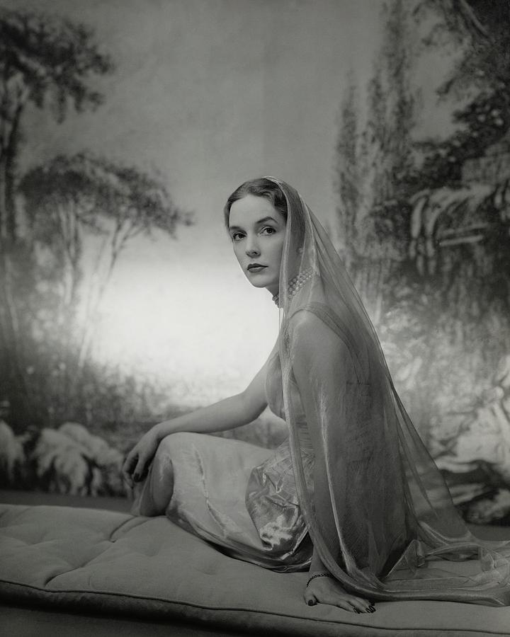 Janet Newbold Wearing A Sari Photograph by John Rawlings