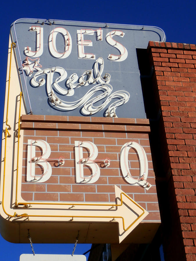 Joes Real Bbq Photograph - Joes Real Bbq by Karyn Robinson