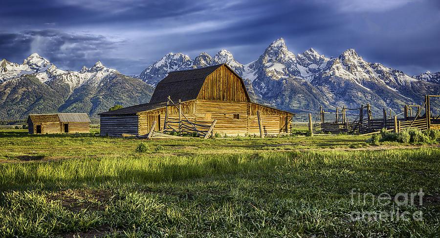 John Moulton barn by Bitter Buffalo Photography