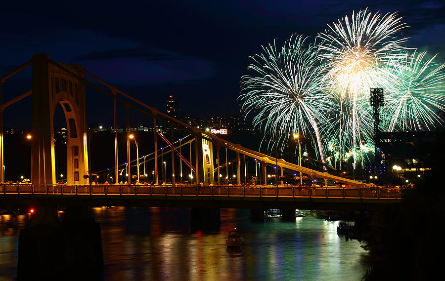 Pittsburgh Photograph - July 4th Fireworks In Pittsburgh by Jetson Nguyen