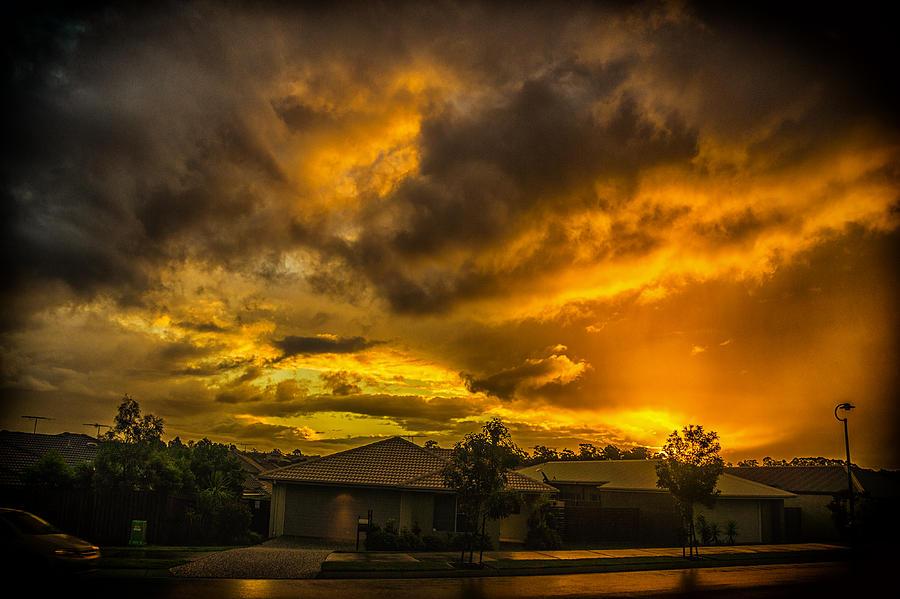 Kallangur Rain by Peter Lombard