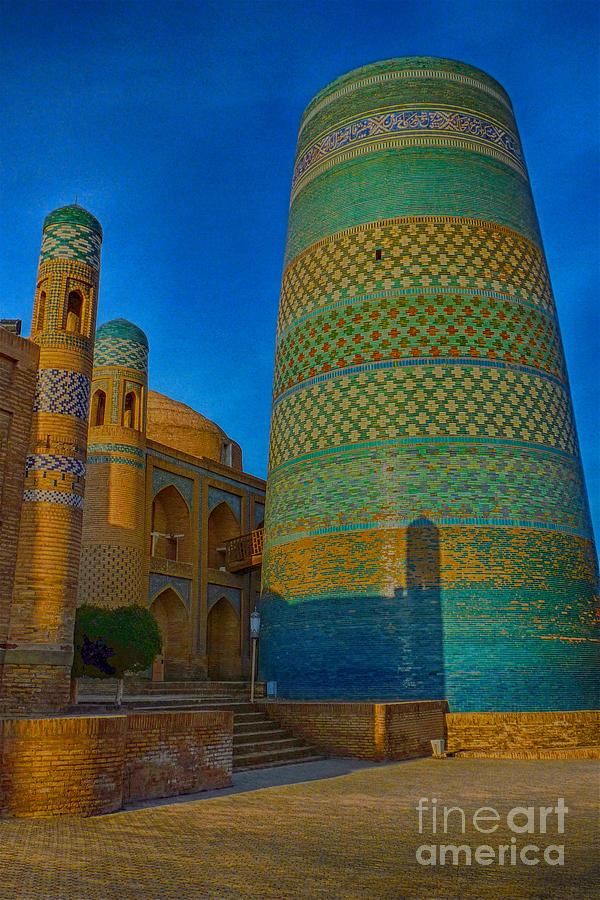 Kalta Minor Minaret by Karla Weber