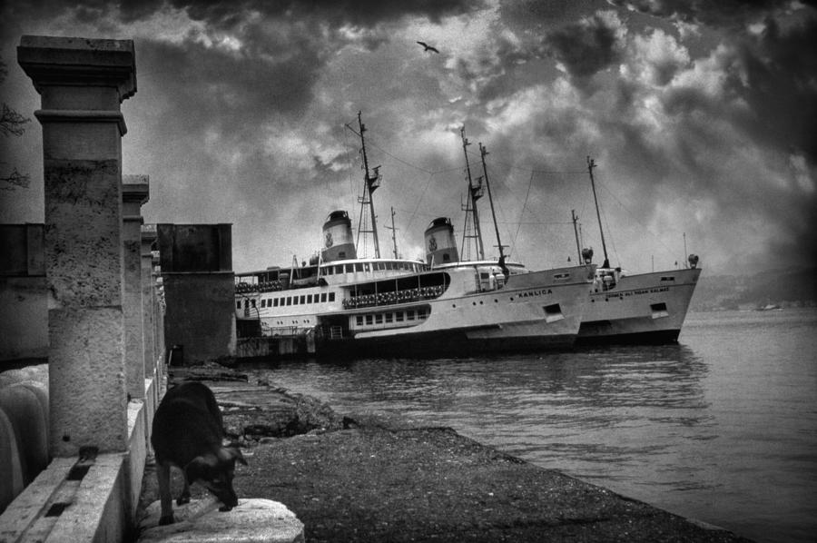 Seascape Photograph - Kanlica by Taylan Apukovska