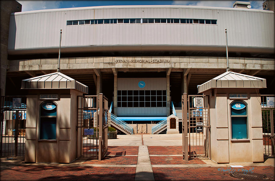 Kenan Photograph - Kenan Memorial Stadium - Gate 6 by Paulette B Wright