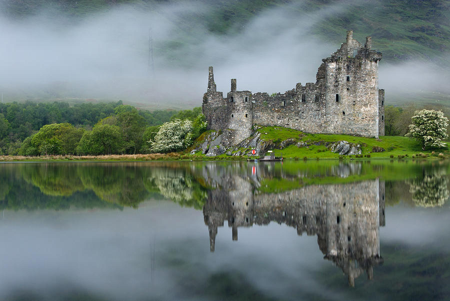 Argyll And Bute Photograph - Kilchurn Castle At Dawn by David Ross