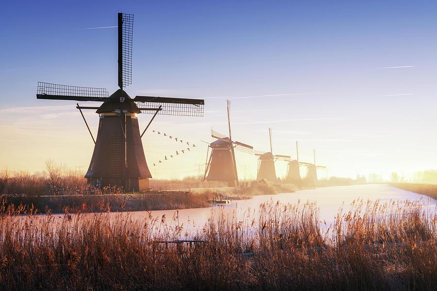 Kinderdijk Photograph - Kinderdijk 4. by Juan Pablo De