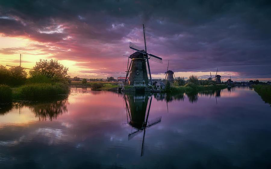 Netherlands Photograph - Kinderdijk by Jes?s M. Garc?a