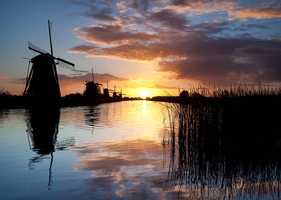 Kinderdijk Photograph - Kinderdijk Sunrise by Dave Bowman