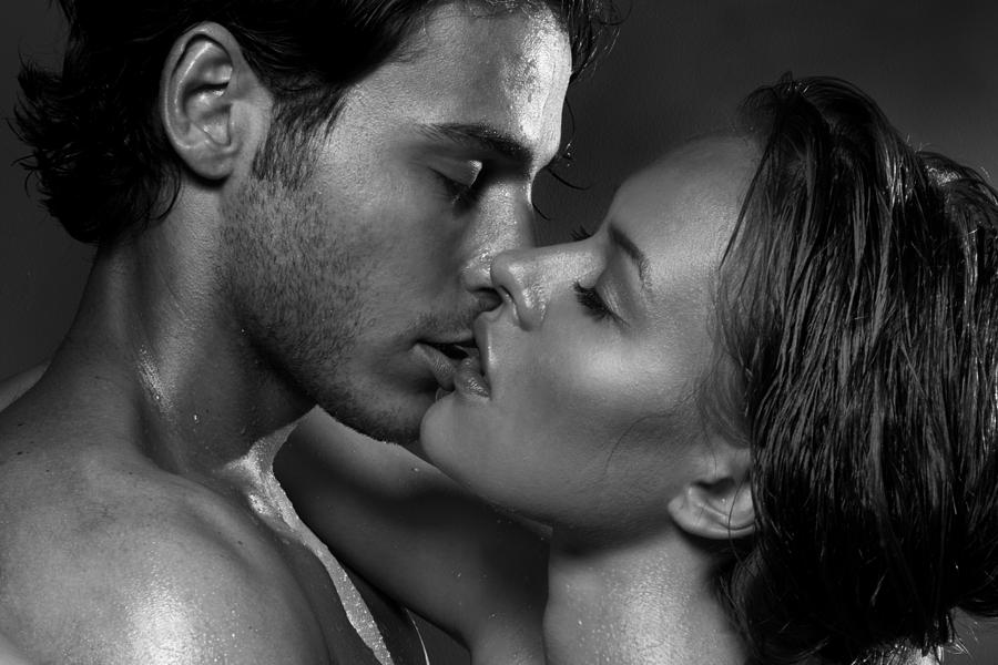 Открытки, целуй меня везде открытка