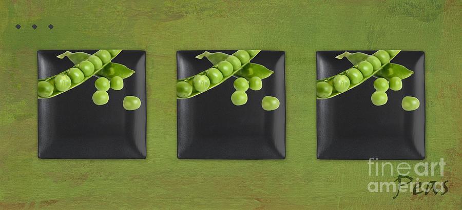 Peas Photograph - Kitchen Art - Peas - 02t01b by Aimelle
