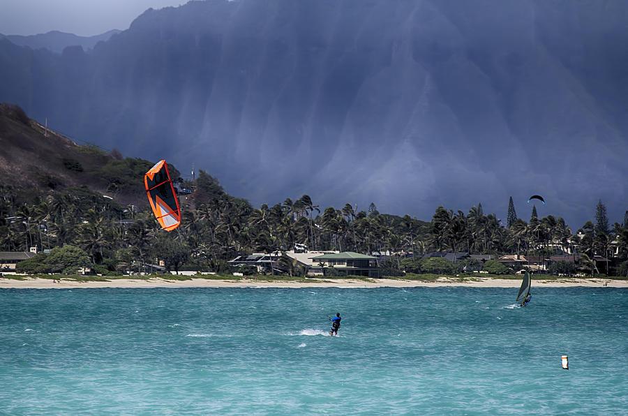 https://images.fineartamerica.com/images-medium-large-5/kite-and-windsurfing-oahu-hawaii-douglas-barnard.jpg