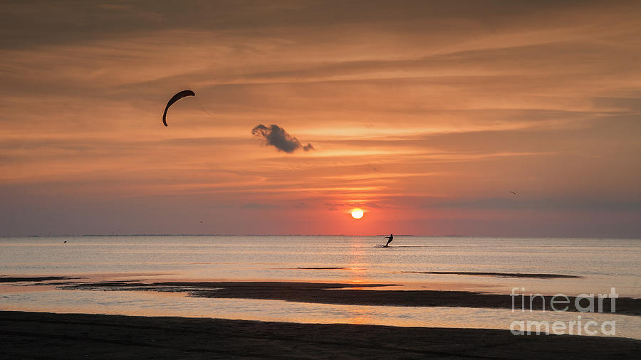 Sunset Photograph - Kiteboarding At Sunset by Tammy Smith