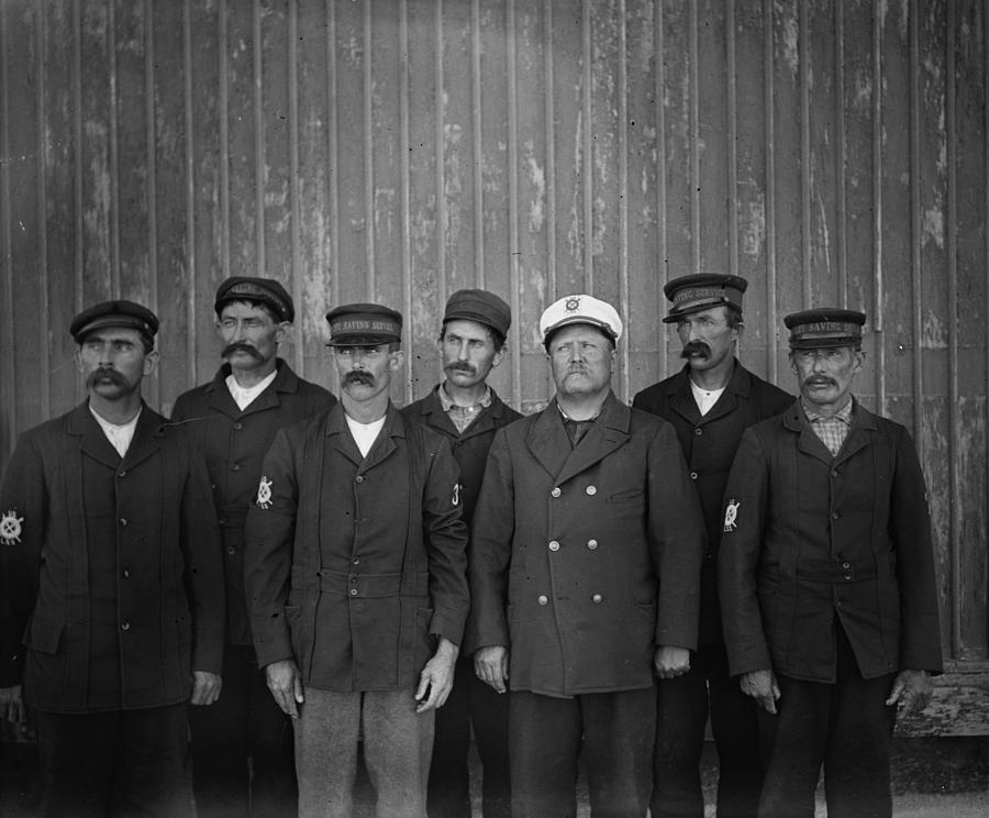 1900 Photograph - Kitty Hawk Crew, 1900 by Granger