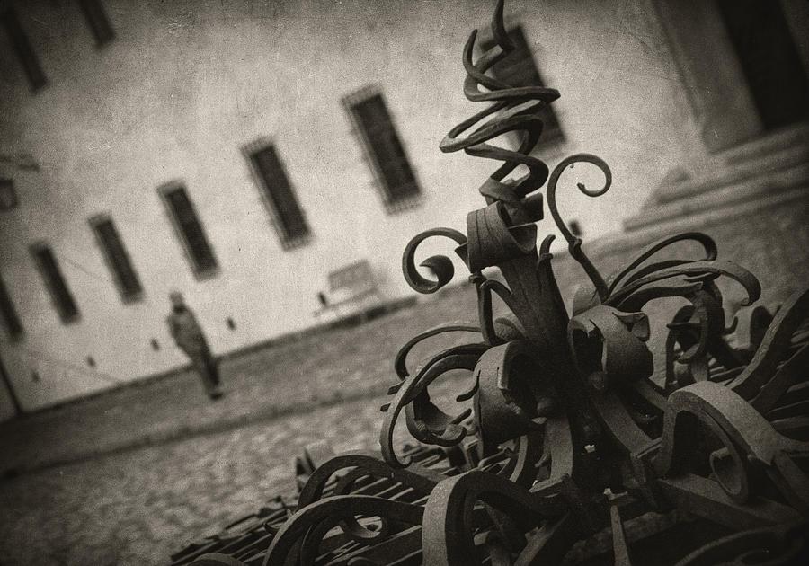 Abstract Photograph - Krizem Krazem by Taylan Apukovska