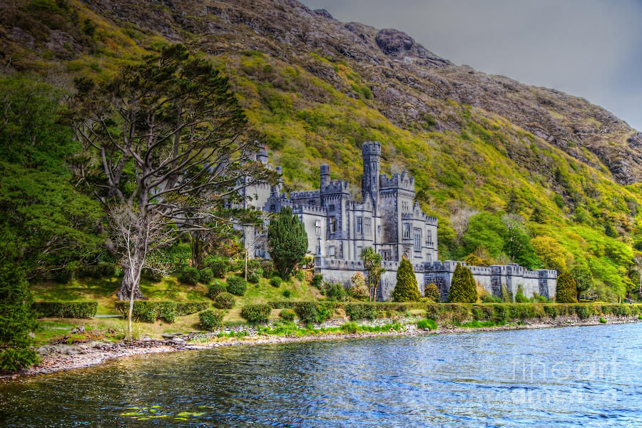 Irland Photograph - Kylemore Abbey by Juergen Klust