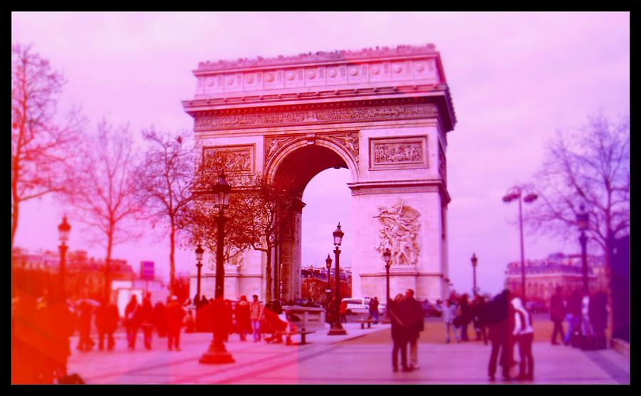 Paris Photograph - La cite damour en rose by Fernanda Travensolli