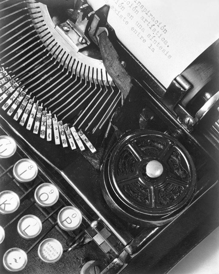 Julio Antonio Mella Photograph - La Tecnica - The Typewriter Of Julio by Tina Modotti