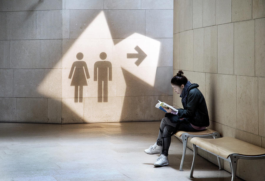 Toilet Photograph - Lady-in-waiting by Linda Wride