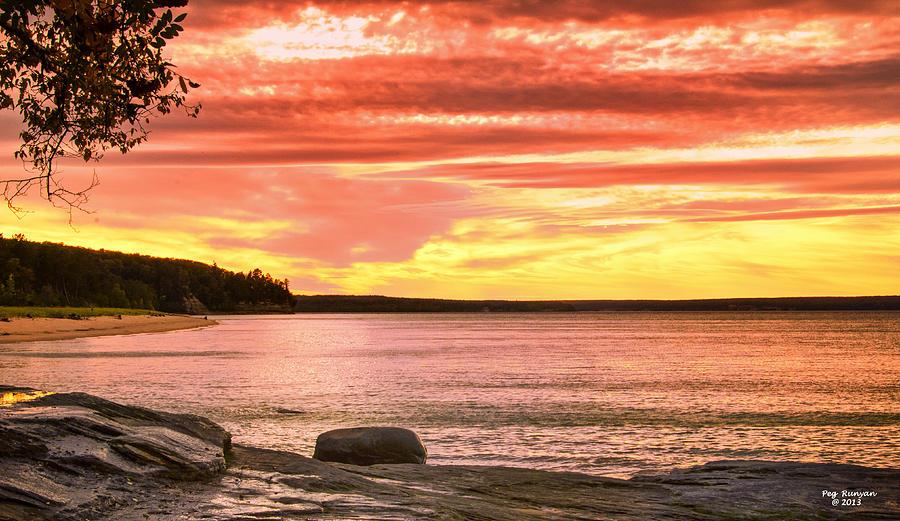 Lake Photograph - Lake Superior Sunset by Peg Runyan
