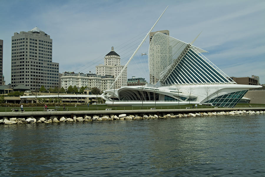 Architecture Photograph - Lakeview Of Milwaukee Art Museum by Devinder Sangha