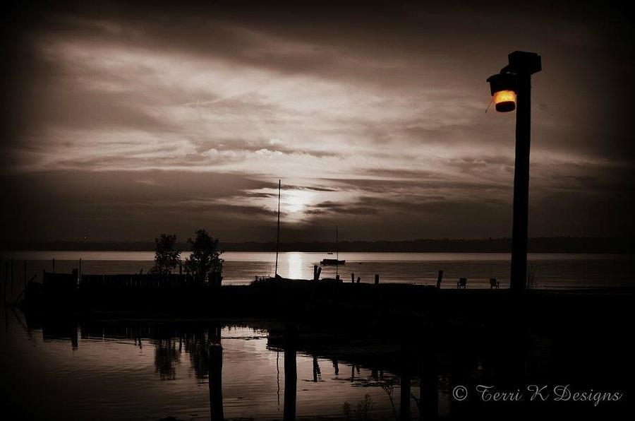 Lamp Post Photograph - Lamp Light by Terri K Designs
