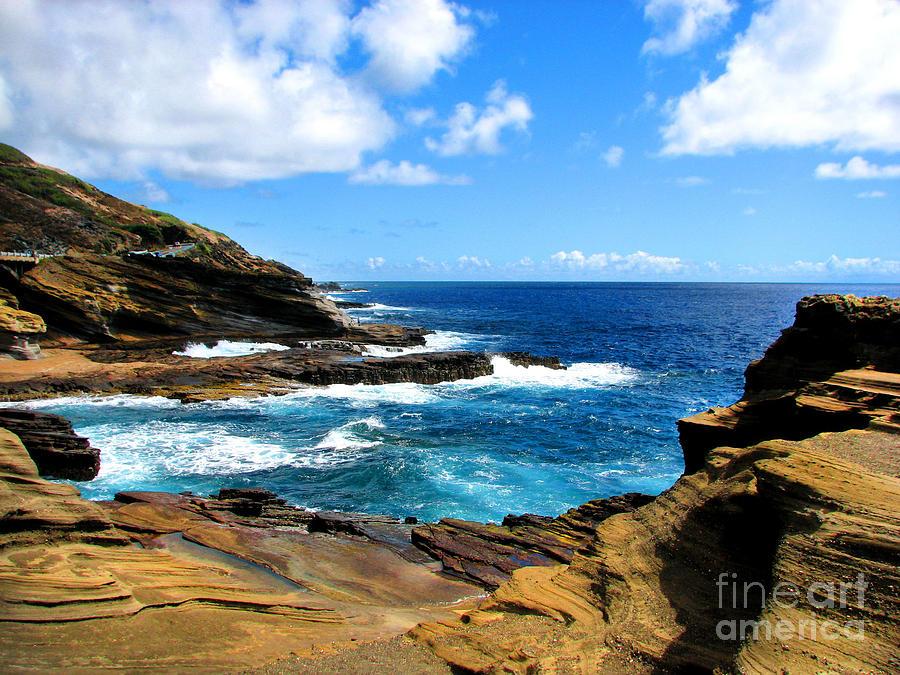 Lanai Scenic Lookout Photograph