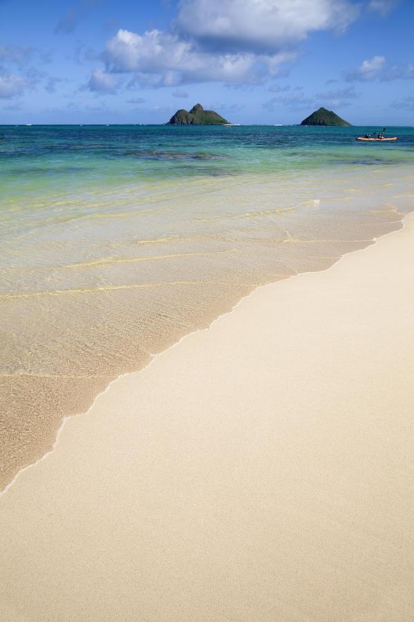 Na Mokulua Hawaii: Na Mokulua Hawaii: Na Mokulua Islands...dusk.