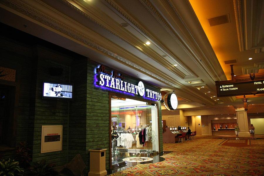 Las Photograph - Las Vegas - Mandalay Bay - 12121 by DC Photographer
