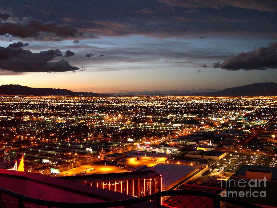 Las Vegas Sunset Photograph - Las Vegas Sunset by Addie Hocynec