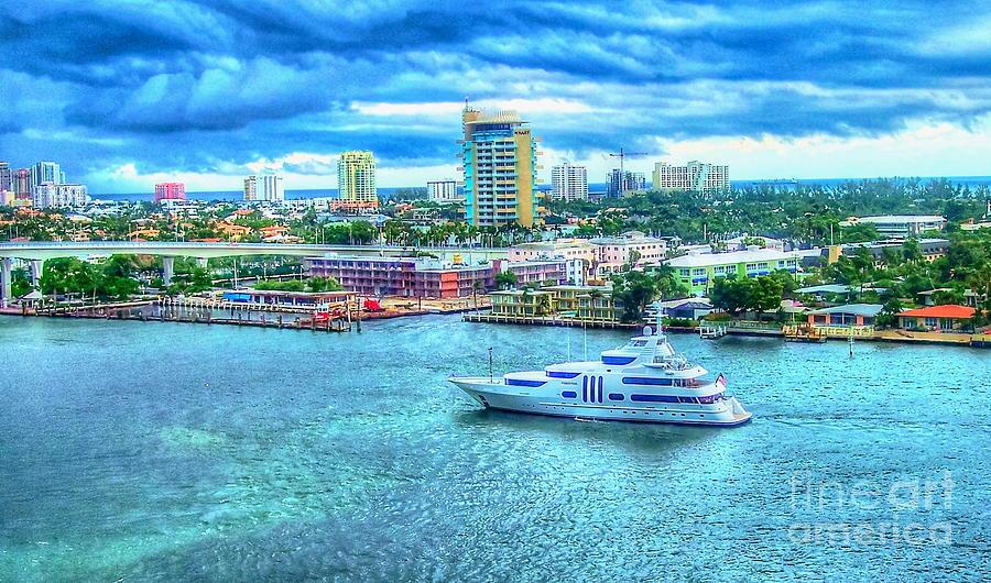 Ft Lauderdale Photograph - Lauderdale by Debbi Granruth