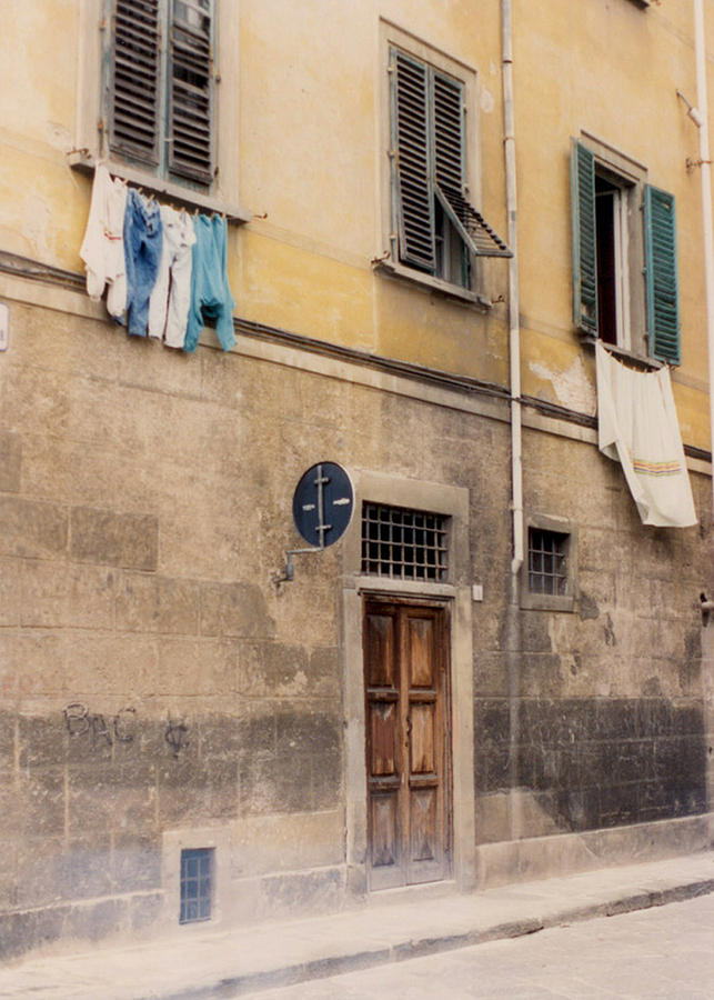 Verona Photograph - Laundry Day In Verona by Suzanne Gaff