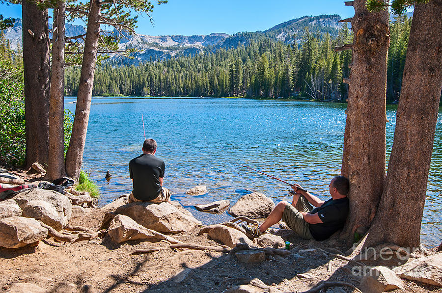 Lazy sunday scenic view of mammoth lakes in california for Mammoth lakes fishing