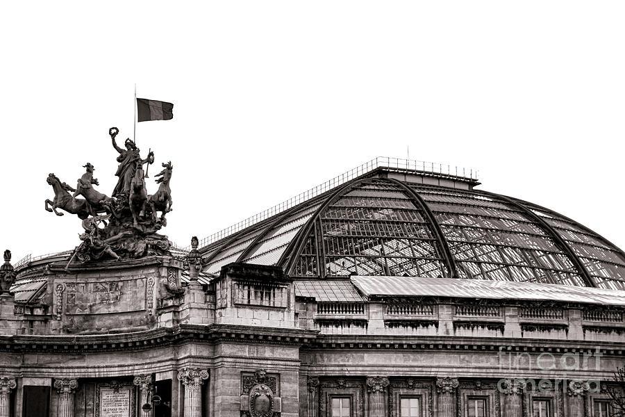 France Photograph - Le Grand Palais by Olivier Le Queinec