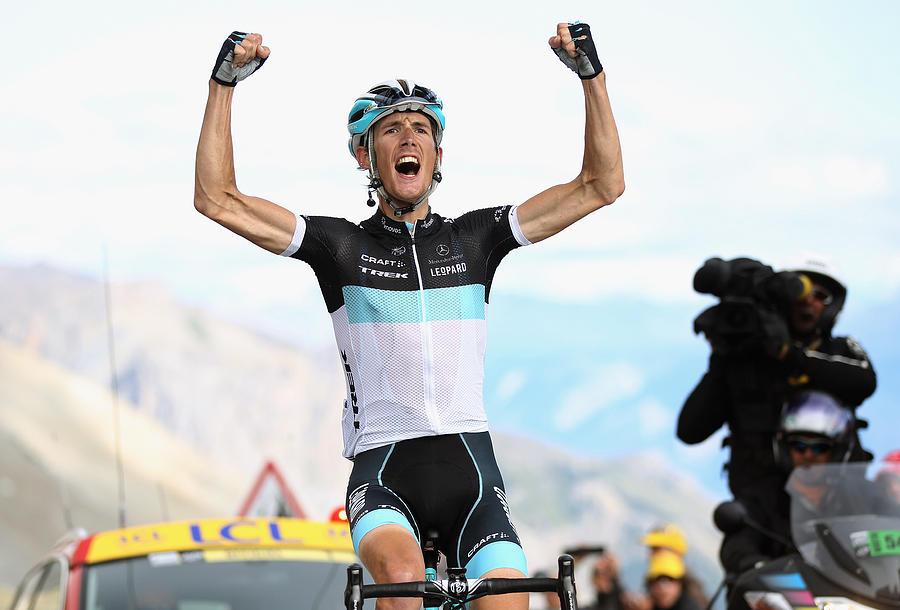 Le Tour de France 2011 - Stage Eighteen Photograph by Bryn Lennon