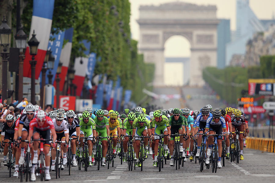 Le Tour De France 2014 - Stage Twenty Photograph by Bryn Lennon