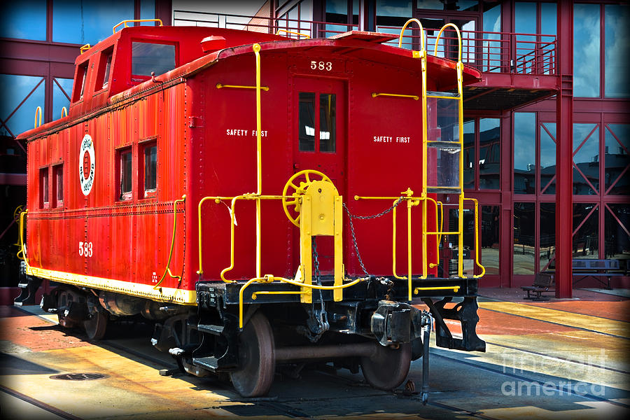 Caboose Photograph - Lehigh New England Railroad Caboose 583 by Gary Keesler