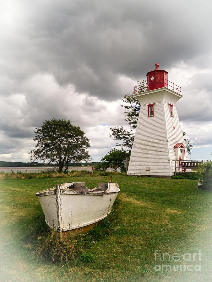 Pei Photograph - Lighthouse Victoria By The Sea Pei by Edward Fielding