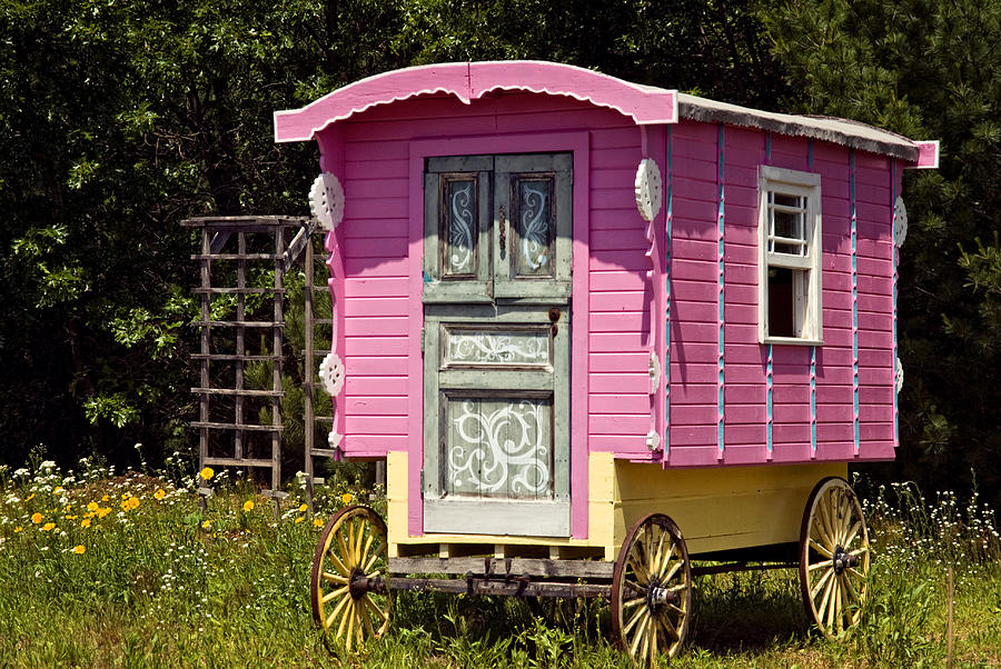 Little Pink Gypsy Wagon Photograph by Judy Johnson