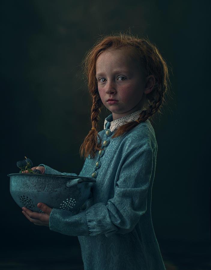 Child Photograph - Lizzy by Ewa Cwikla