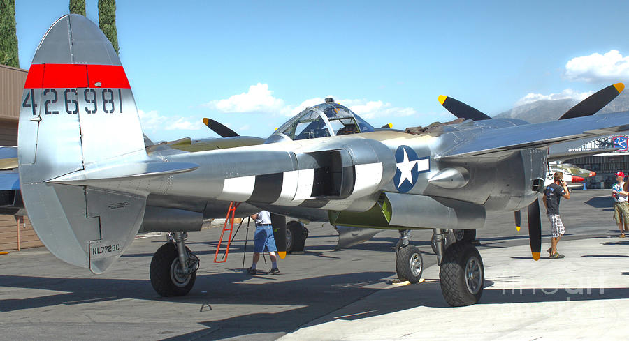 Aircraft Photograph - Lockheed P-38l Lightning Honey Bunny  - 09 by Gregory Dyer