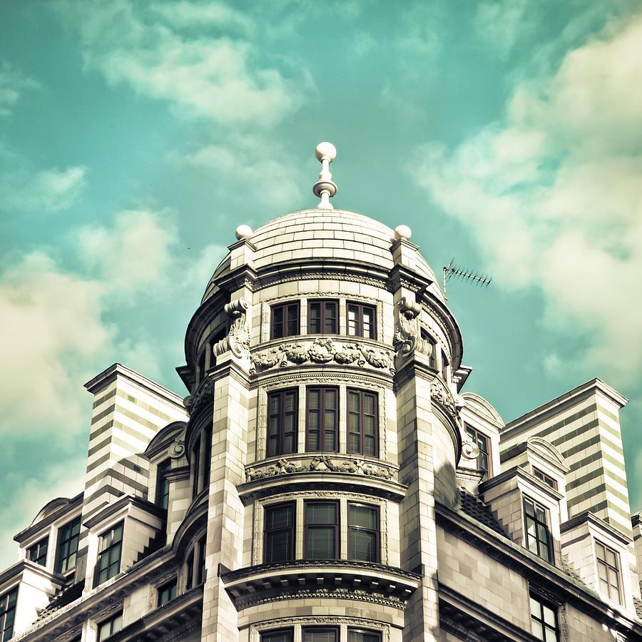 Apartment Photograph - London Architecture by Tom Gowanlock