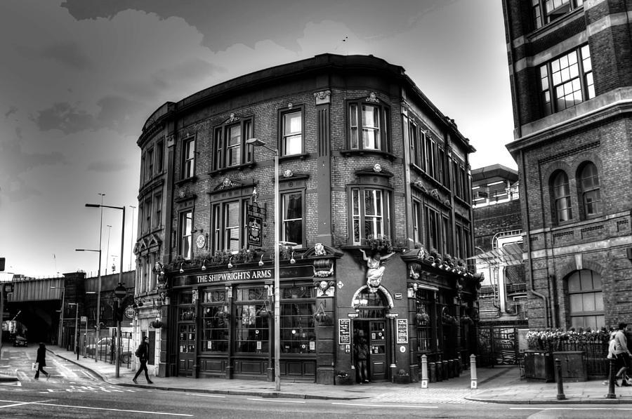 Pub Photograph - London pub by Peggy Berger