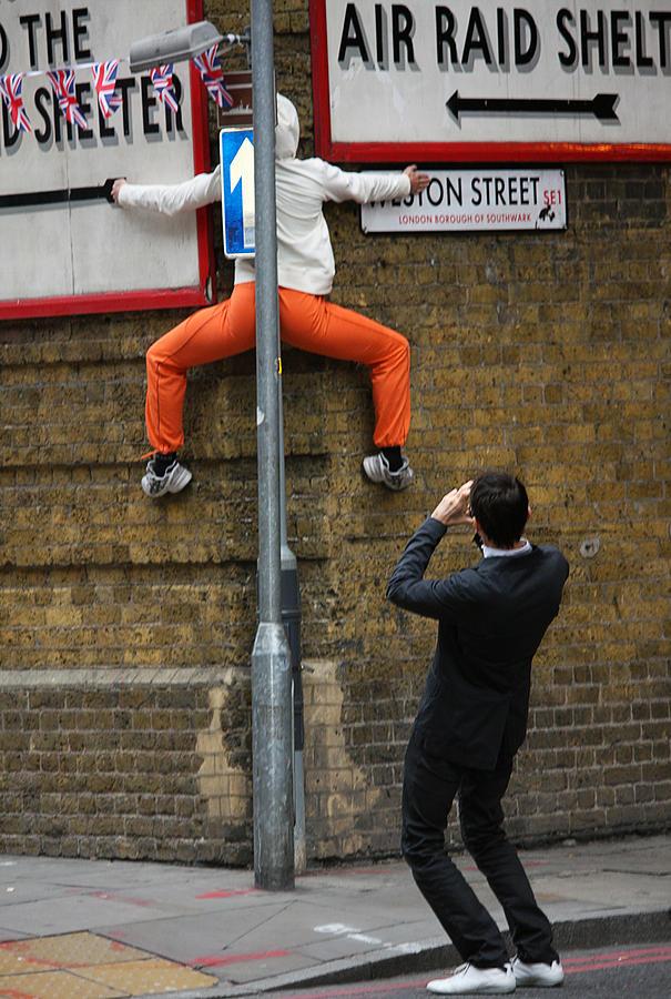 London Photograph - London Urban Dance by Stephen Norris