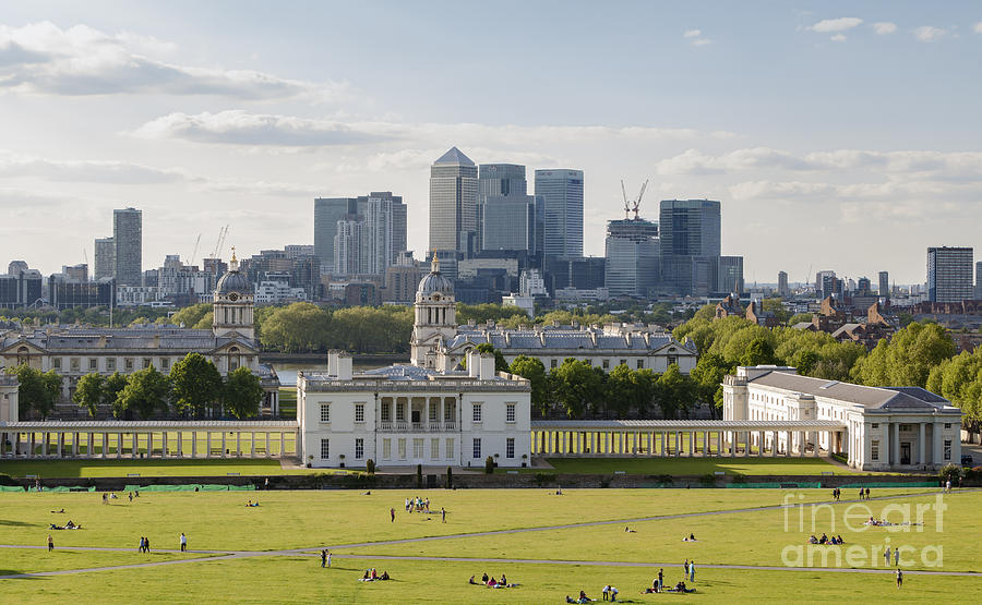 Canary Photograph - London View From Greenwich by Roberto Morgenthaler