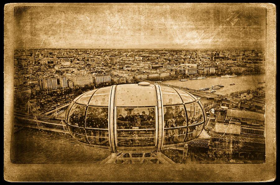 London Photograph - London View by Vessela Banzourkova