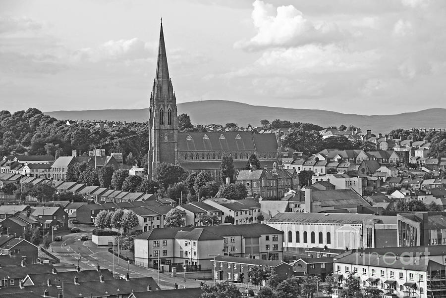 Londonderry Photograph - Londonderry by Mary Carol Story