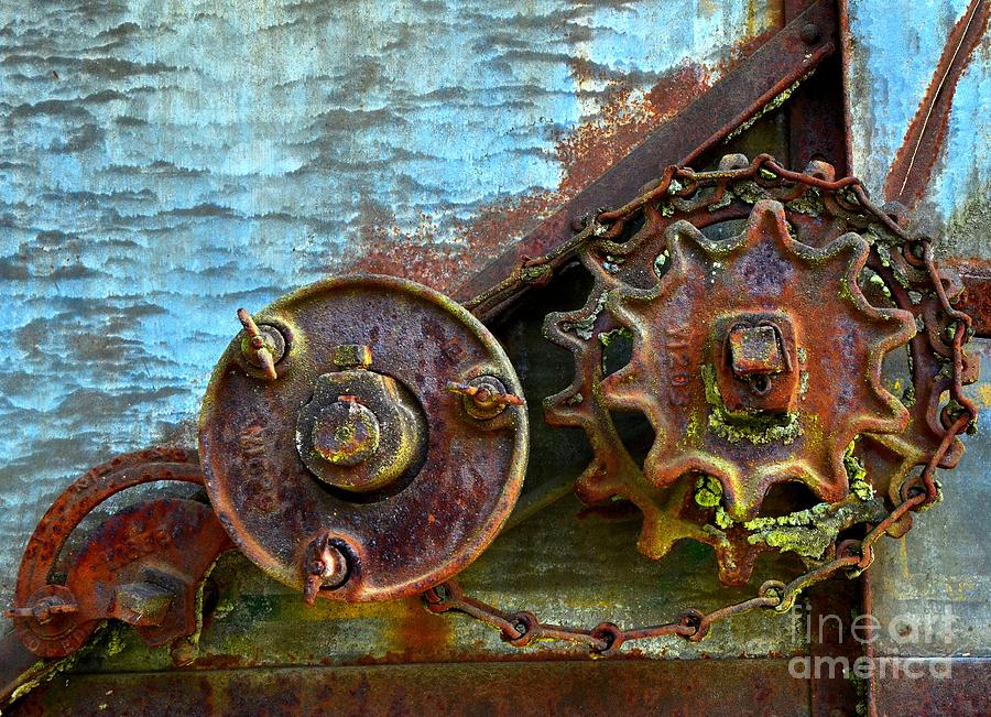 Abstract Photograph - Loose Gears by Newel Hunter