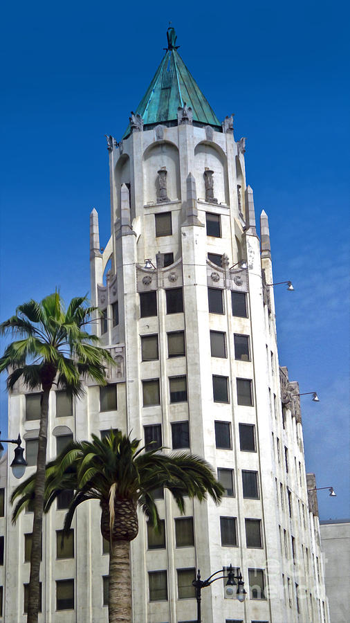Hollywood And Highland Photograph - Los Angeles - Hollywood And Highland by Gregory Dyer
