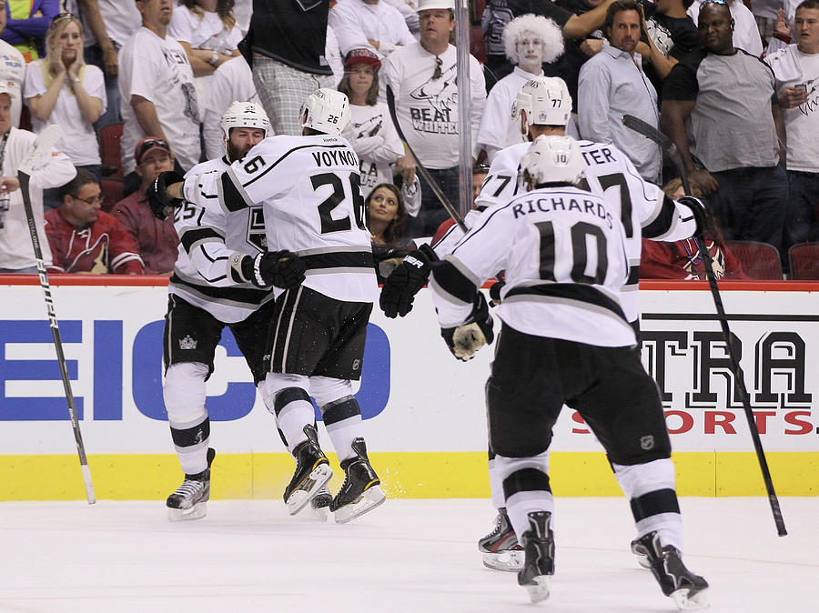 Los Angeles Kings V Phoenix Coyotes - Photograph by Jeff Gross
