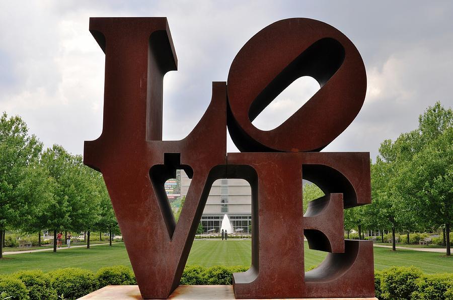 Art Museum Photograph - Love by Pamela Schreckengost